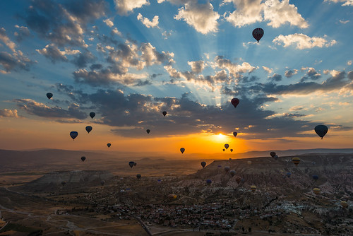 sky sun beautiful clouds sunrise turkey balloons photography gold scenery view balloon photostory alessio humantheme andreani