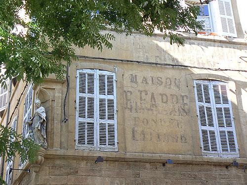 vieille enseigne à Aix.jpg