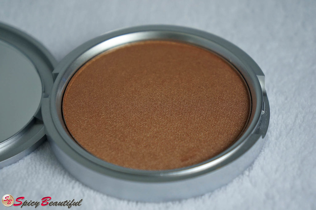 theBalm Betty-Lou Manizer Compact Pan