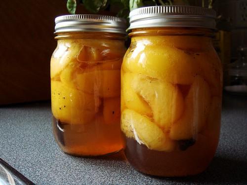 Preserved Peaches in Amaretto & Tahitian Vanilla