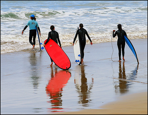 surferos en pais vasco