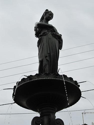 fontaine et monument raon l'etape 045