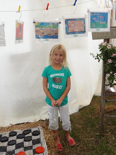 Kids recycled art fair 2012 (2)