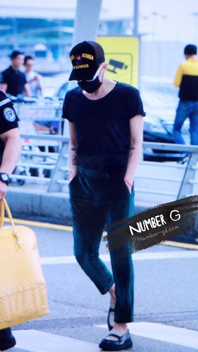 Big Bang - Incheon Airport - 26jun2015 - Number G - 02