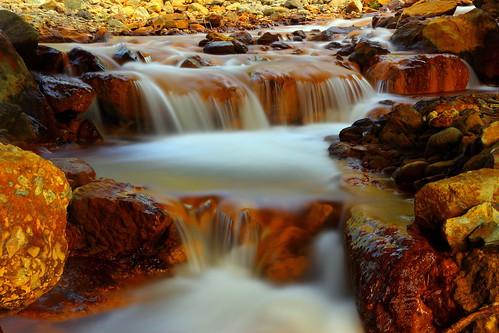 gold waterfall 黃金瀑布