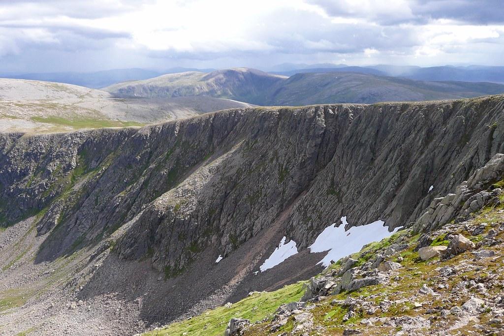 Cliffs of Einich Cairn