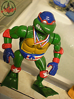"""TURTLE GAMES"" TEENAGE MUTANT NINJA TURTLES :: SUPER-SWIMMIN' RAPH xii / ..Anti-Foot Flipper Fins (( 1992 ))"