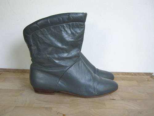 80s grey leather ankle boots