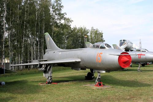 Sukhoi Su-7BKL 15 red