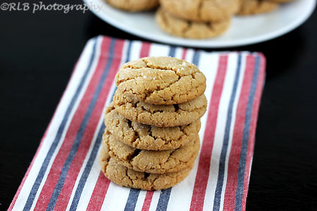 peanut butter crinkle cookies by raylynntexas