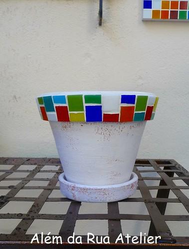 Como decorar vasos com mosaico