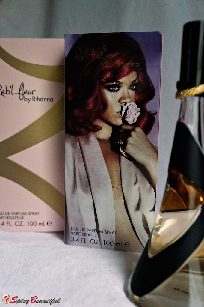 Reb'l Fleur by Rihanna Box and Sleeve