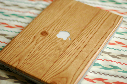 DIY Woodgrain Laptop Cover