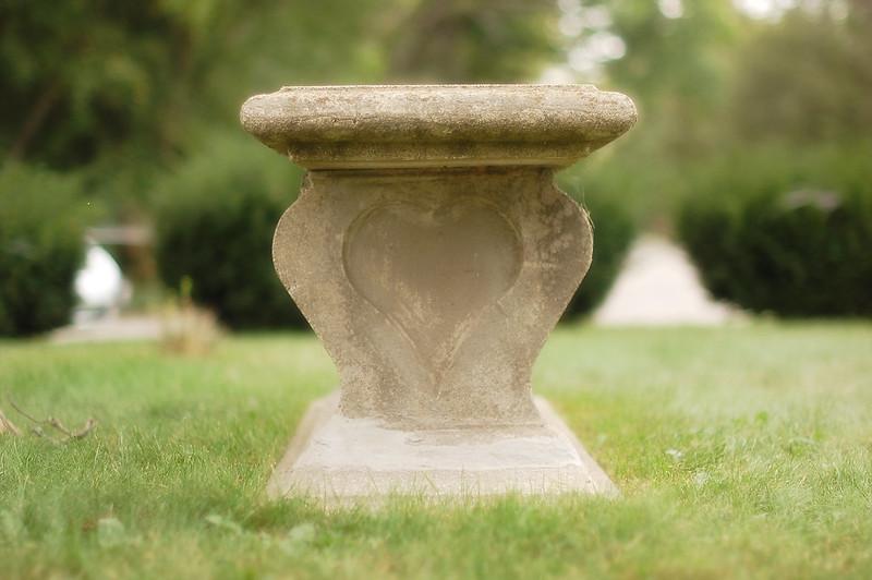 grave stone26