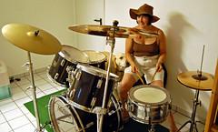 Schlagzeugmenschen (People on Drum)