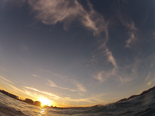 puesta de sol - surfeando - benicassim beach