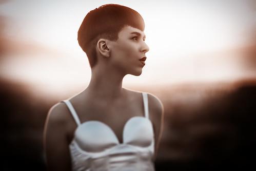 [フリー画像素材] 人物, 女性, 女性 - ショートヘア ID:201211110200