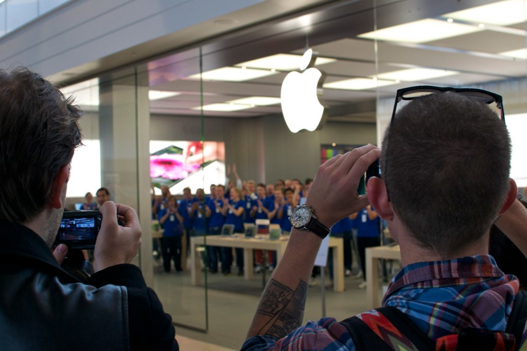 Apple Store Grand Opening, Täby centrum, Sweden