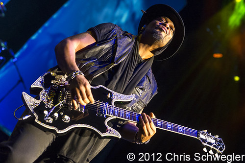D'Angelo - 09-14-12 - Liberation Tour, DTE Energy Music Theatre, Clarkston, MI