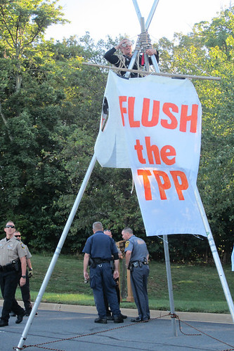 Tripod Blockade at Trans Pacific Partnership in Virginia Sept 2012: Backbone trained and provided action support
