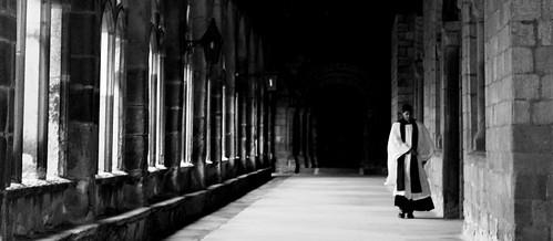 [フリー画像素材] 建築物・町並み, 宗教施設, 職業・地位, 教会・聖堂, キリスト教, 聖職者 ID:201209301800