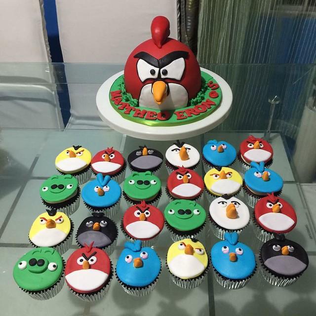 Angry Birds Cake by Kristine Miranda of Tinee kitchen