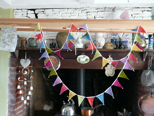 Beaded bunting in kitchen 3