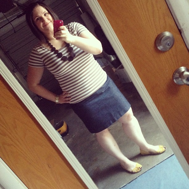 Today's #ootd brought to you by the color brown. Oh wait, whit too (forgot about my legs!)