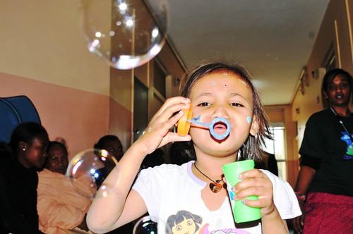 Des jouets ont été offerts aux enfants durant l'Opération Smile Madagascar Août 2012