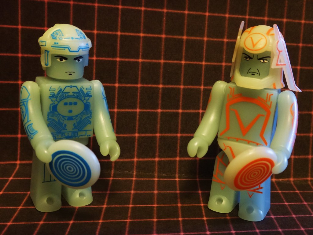 Medicaom Kubrick Tron and Sark figures
