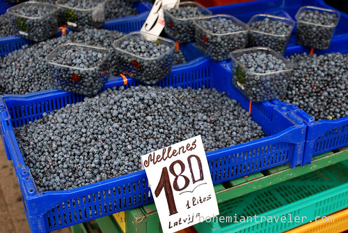 blueberries for sale in Riga
