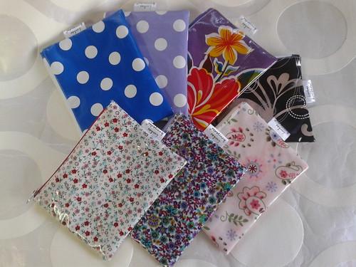 Necessaires em PVC by ♥Linhas Arrojadas Atelier de costura♥Sonyaxana