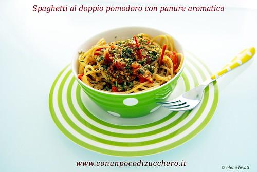 Spaghetti al doppio pomodoro e panure aromatica