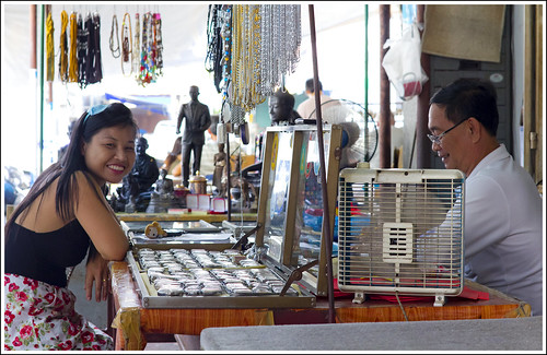 Amulet seller and customer