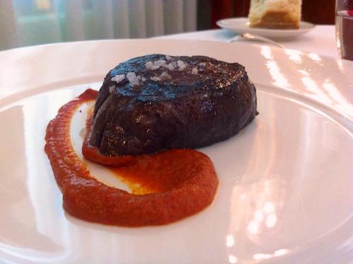 SOLOMILLO: Milhoja de patata, flan de piquillo - Restaurante Zortziko - Bilbao