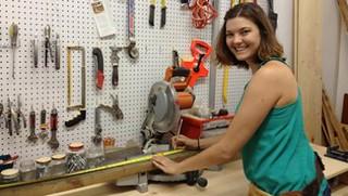 Karja Hansen in the Barrio Workshop (courtesy of LittleHavanaGuide)