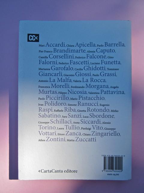 Si sente la voce. 8x8 / Oblique Studio. Carta Canta 2012. Quarta di copertina (part.), 1