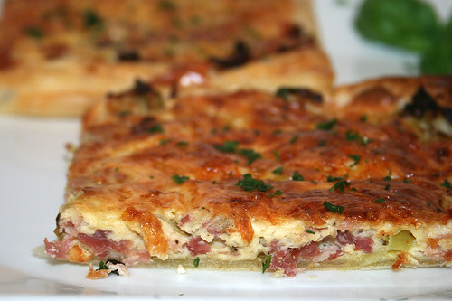 37 - Lauchkuchen mit Speck / Leek tarte with bacon - CloseUp