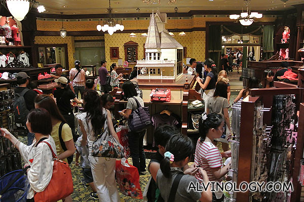 The gift shops were packed with last minute shoppers