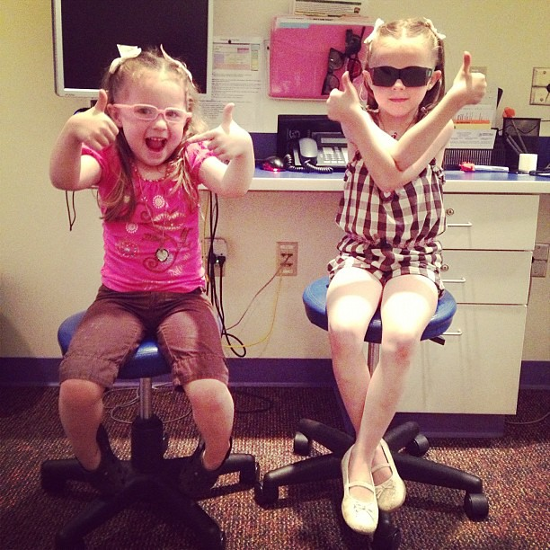 Cool chicks! #glasses