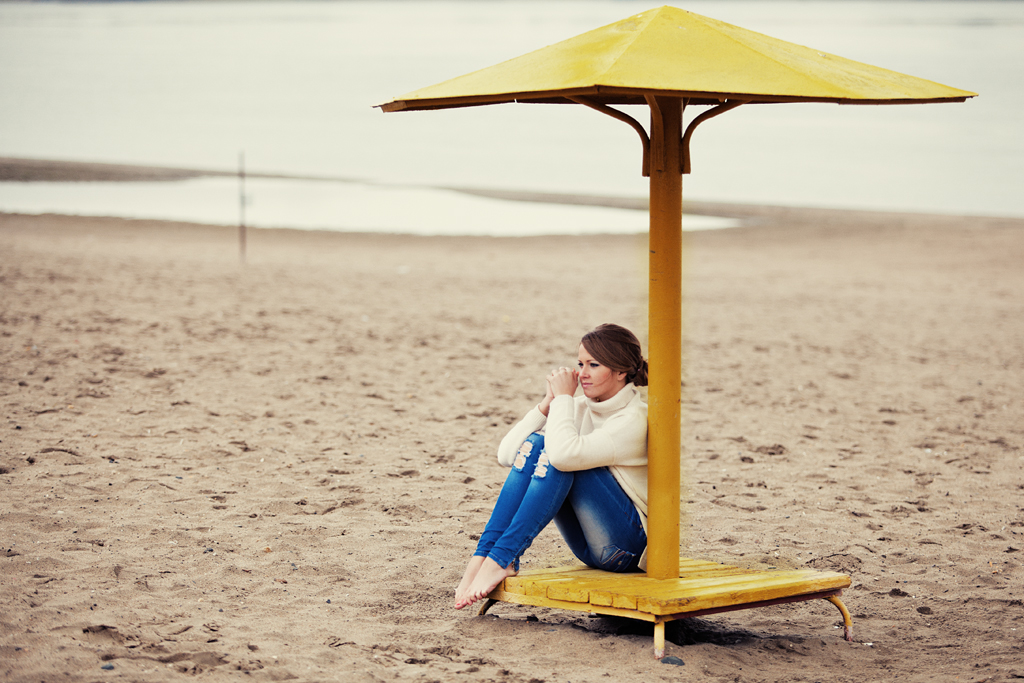 Фотосессия осенью на пляже