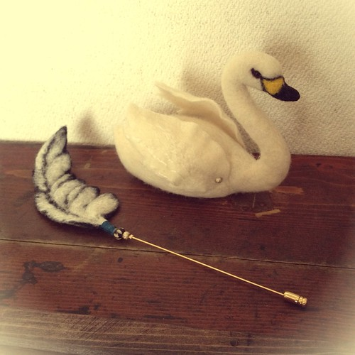 Needle Felt White Swan and Feather Hatpin by natsuko.m