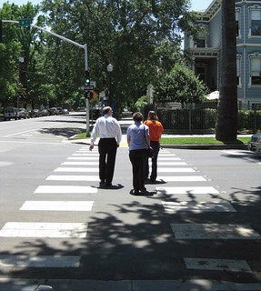 walkable neighborhood (courtesy of Eric Fredericks, neighborhoods.org, via NRDC report)
