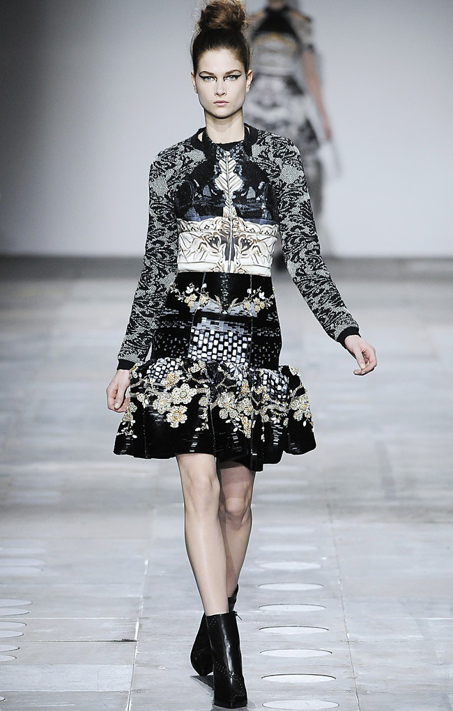 3 Mary_Katrantzou_AW12_Catwalk_Look_31_Photographer_First_View