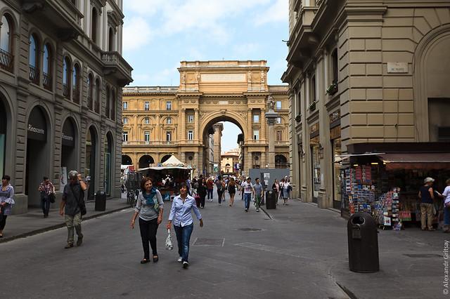 Флоренция - пешеходные улицы становились все шире и просторнее
