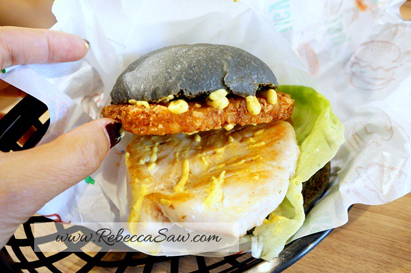 myburgerlab seapark PJ - chicken curry crunch-001