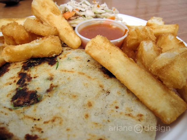 Guanaco Salvadoran cuisine/Ayote pupusa