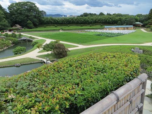 festival japan garden landscape tea lakeside plantation hilltop okayama korakuen 後楽園 momotaro seiden yuishinzan 唯心山