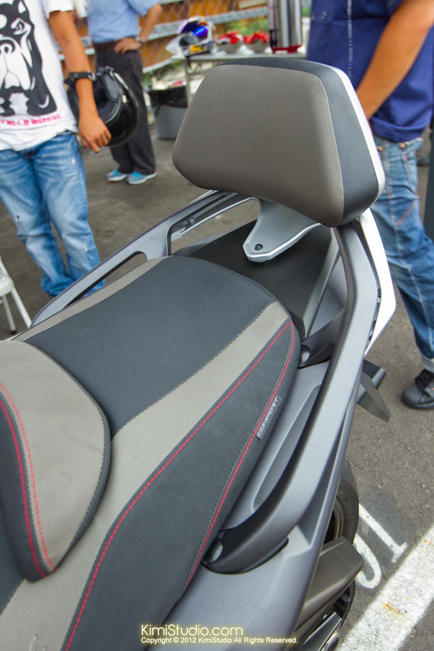 2012.09.01 T-MAX 530-087