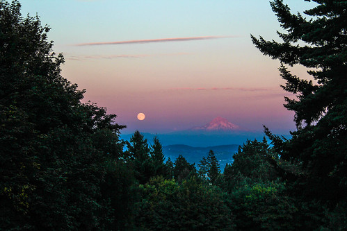 Blue Moon rising over Mt. Hood